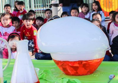 Awesome Dry Ice Bubble Professor Egghead